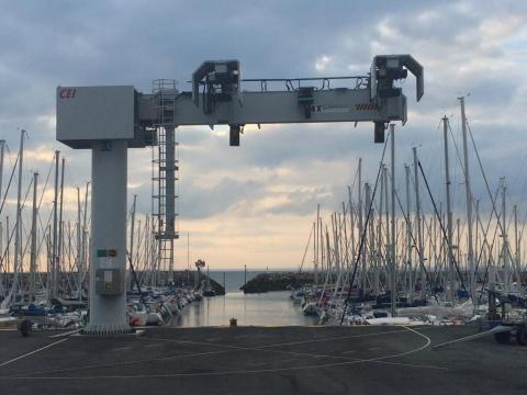 20140729 - Piriac sur Mer - grue a bateaux