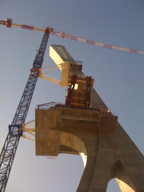 Accrochée - Pont de Terenez