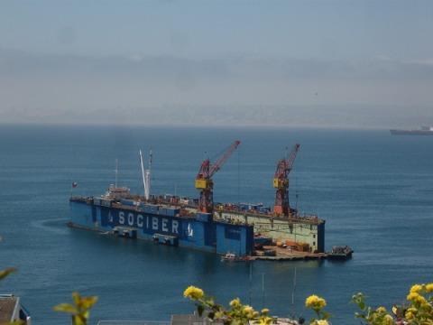 BargeValparaiso